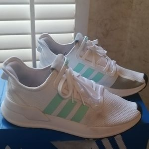 COPY - Addidas Sneakers